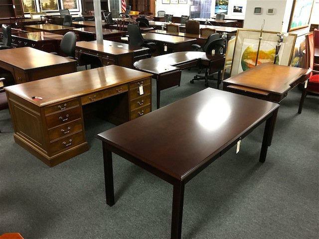 Why Corporate Liquidator is the right store for new office furniture in Houston
